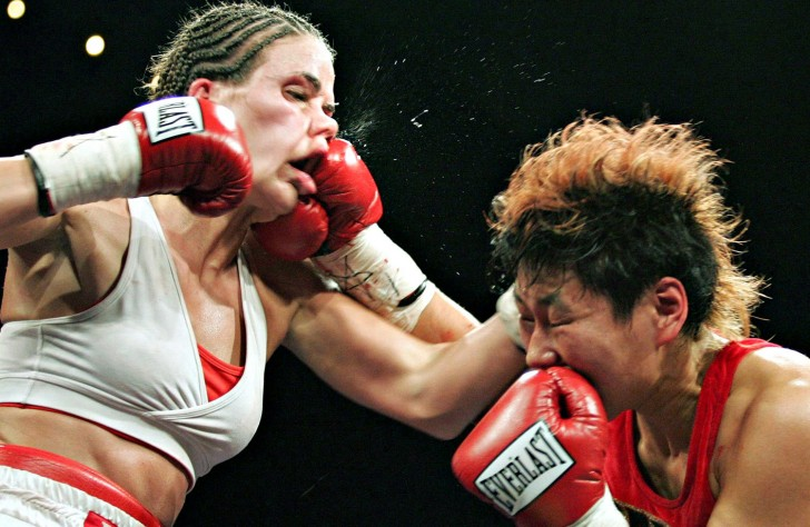 Jelena Mrdjenovich vs Emiko Raika
