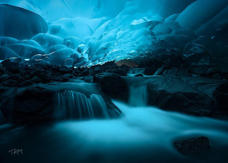 Lodowe jaskinie Mendenhall (Alaska)