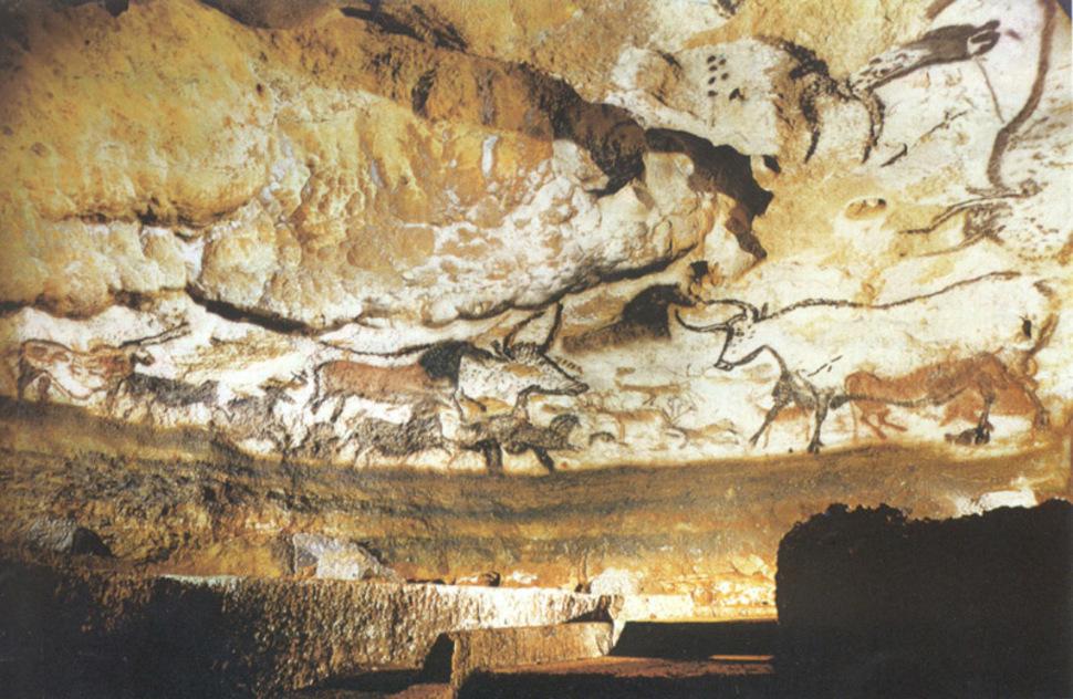 W Dordogne, we Francji archeologowie odkryli jedne z najstarszych skalnych malowideł - te datuje się na 12000 lat. (2001)
