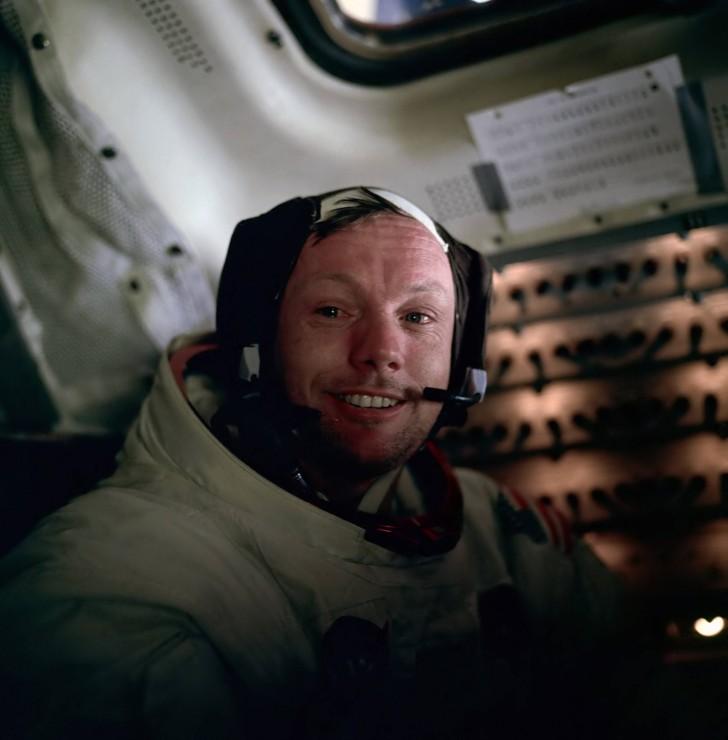 Neil Armstrong tuż po spacerze na Księżycu.