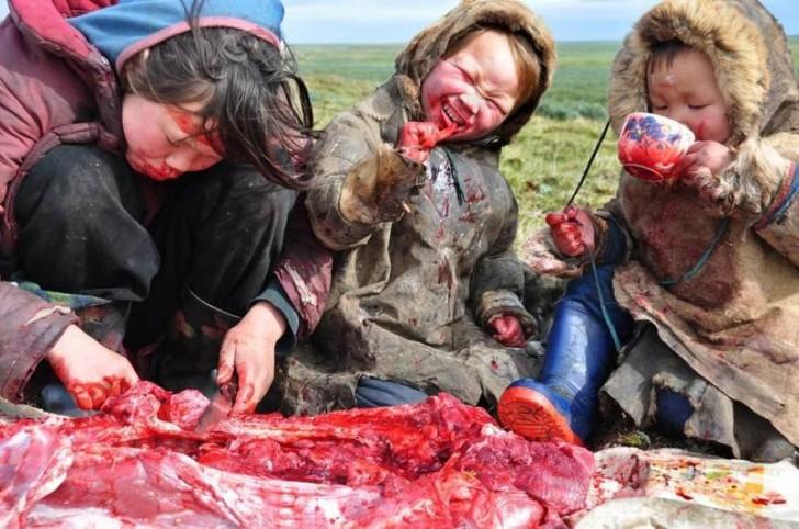 Rodzinny posiłek na Syberii
