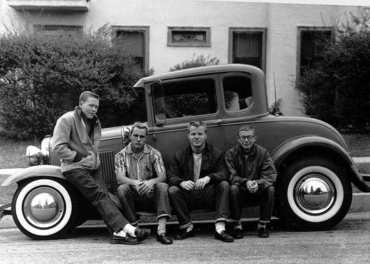 Nastolatki i ich pierwszy samochód (1950)