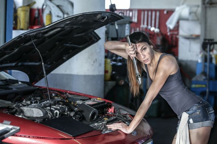 Ciemna strona mocy - czyli jak producenci samochodów naprawdę zarabiają na klientach