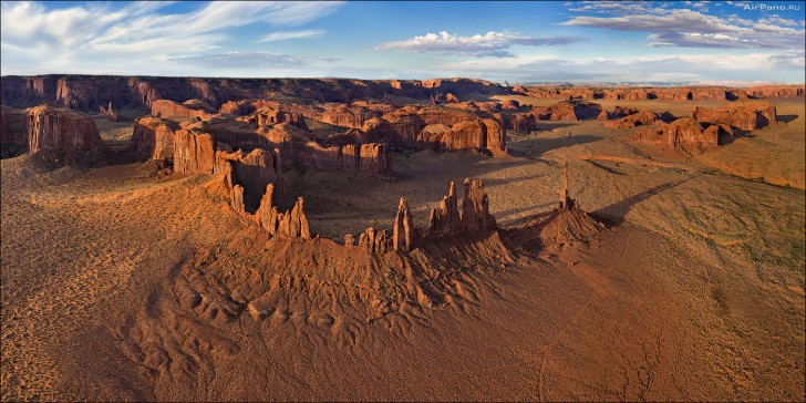 Yei-Bi-Chei, Monument Valley, USA