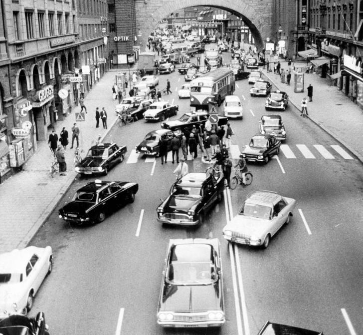 Dzień w którym zmieniono ruch lewostronny na prawostronny w Szwecji, dn. 3 września 1967 r.