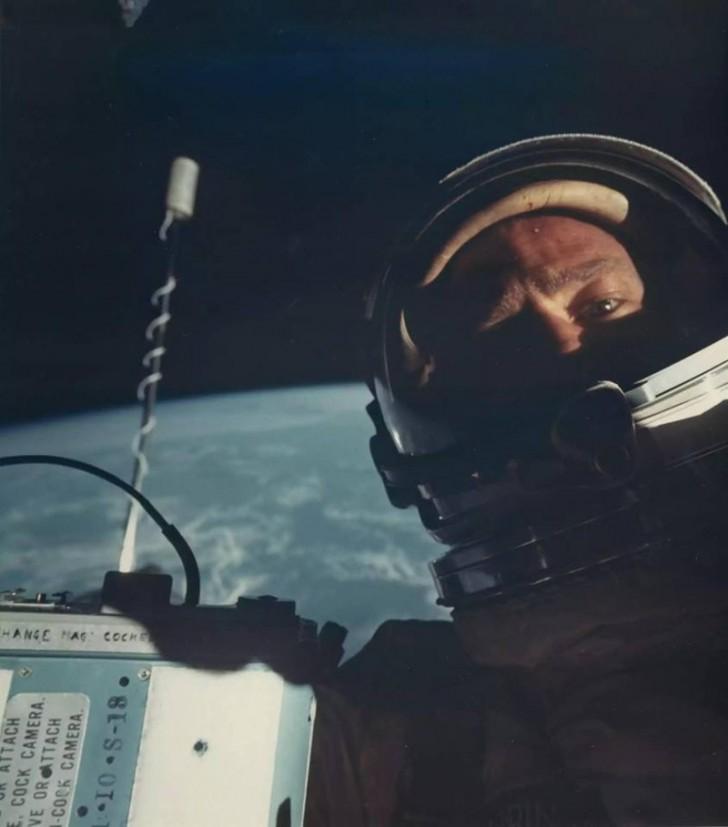Pierwsze selfie w kosmosie. Buzz Aldrin, 1966 rok