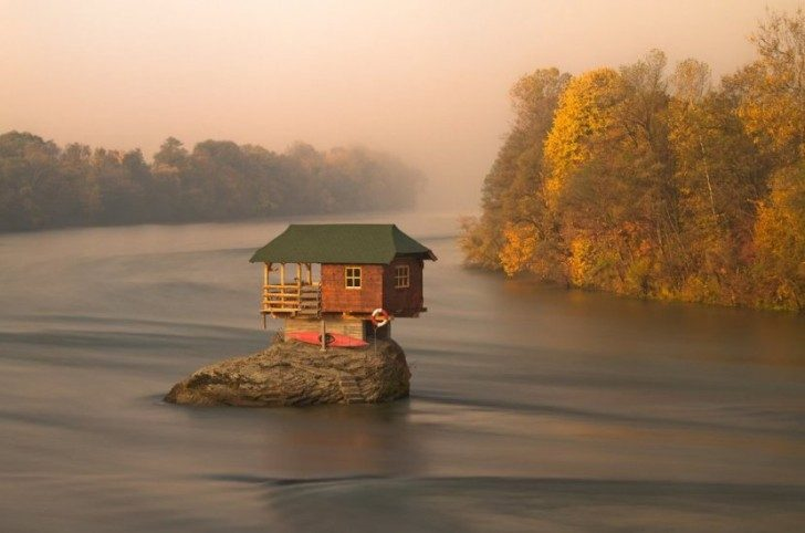 great-homes-away-from-civilization-24103