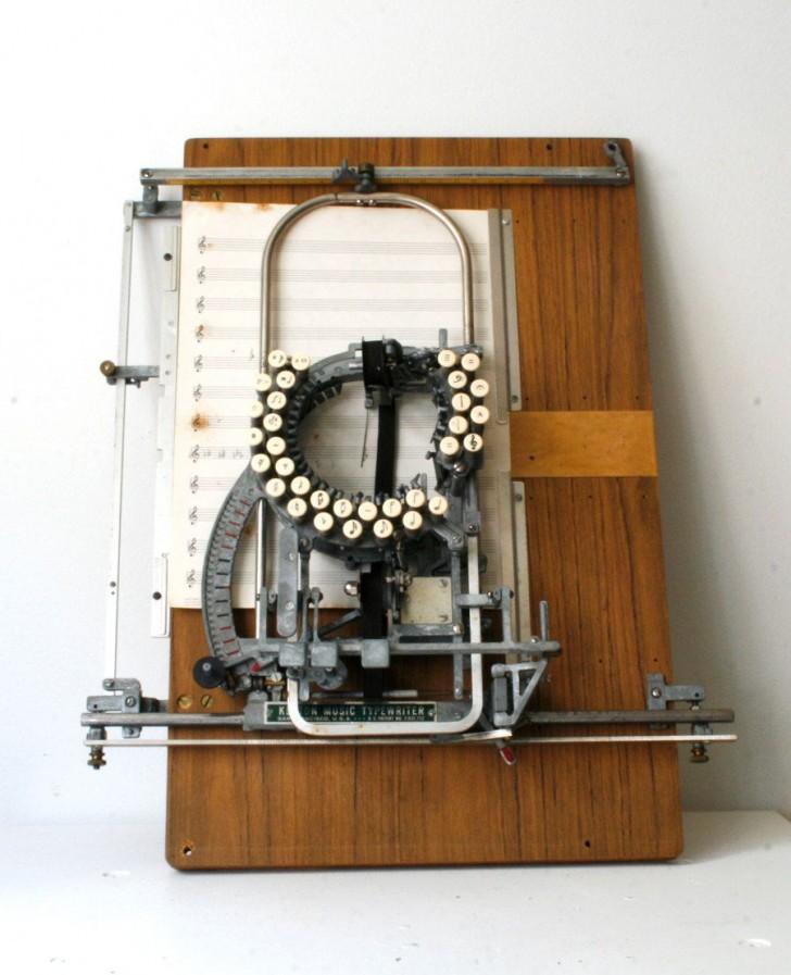 maszyna do pisania nut