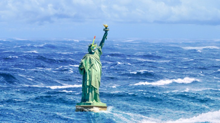 statue-of-liberty-snorkel-flood-2