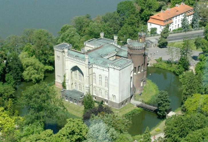 Zamek w Kórniku, autor Monika Mężyńska, wikipedia.org