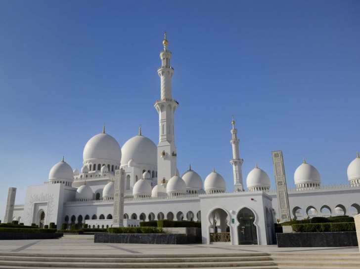13-sheikh-zayed-grand-mosque-abu-dhabi-united-arab-emirates