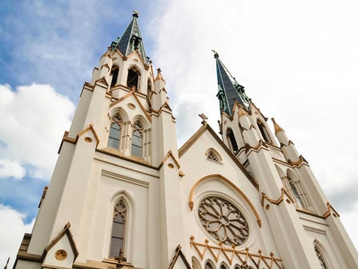 24-cathedral-of-st-john-the-baptist-savannah-georgia