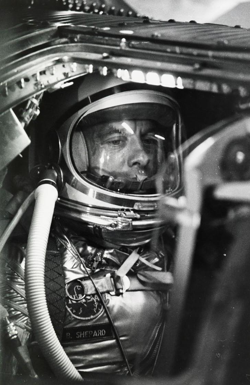 Alan Shepard był pierwszym Amerykaninem, który znalazł się w kosmosie (choć był to tylko lot suborbitalny), misja Mercury 7, 1961 r.