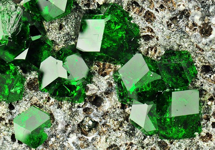 Amazing-StonesMinerals5__700