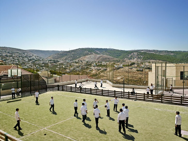 Tiferet-Menachem Chabad School, Beitar IIIit, West Bank