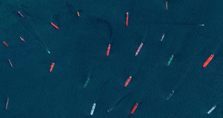 Statki u wybrzeża Singapuru