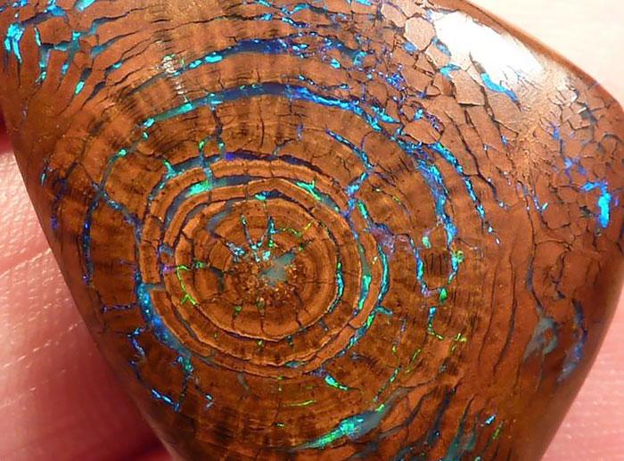 amazing-stones-minerals-16__700