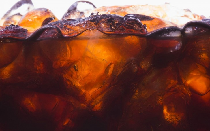 coke-and-ice-wallpapers_13890_1440x900