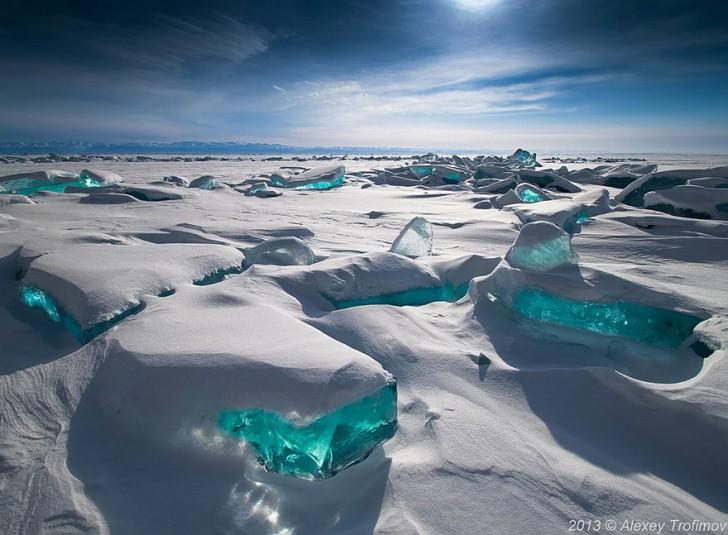 frozen-lake-pond-ice-wcht01