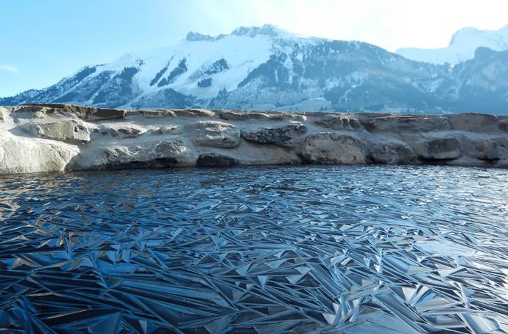 frozen-lake-pond-ice-wcht04