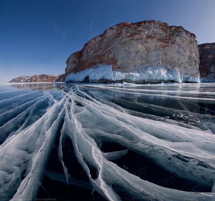 frozen-lake-pond-ice-wcht13