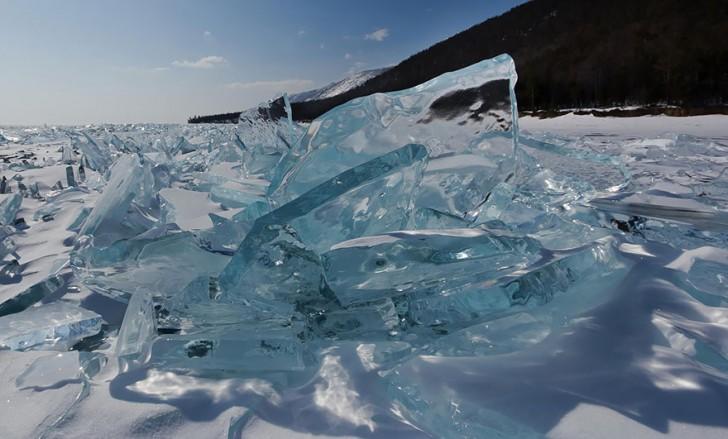 frozen-lake-pond-ice-wcht16
