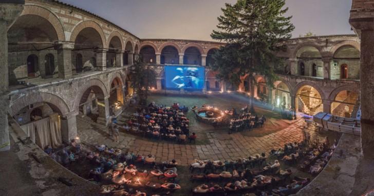 most-beautiful-cinemas-wcth04