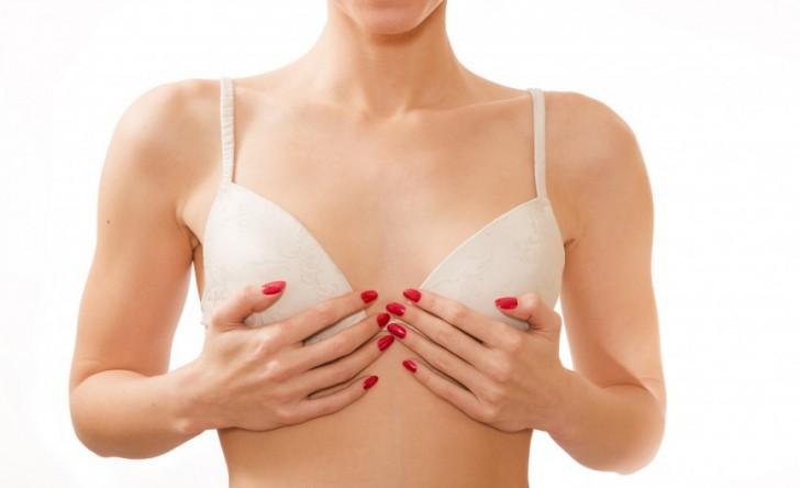 shutterstock_Small-Breasts