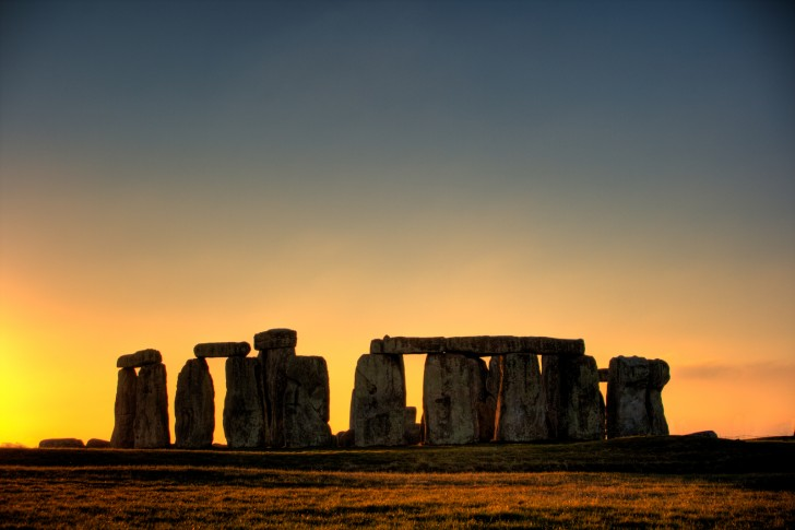 Stonehenge_in_HDR_01