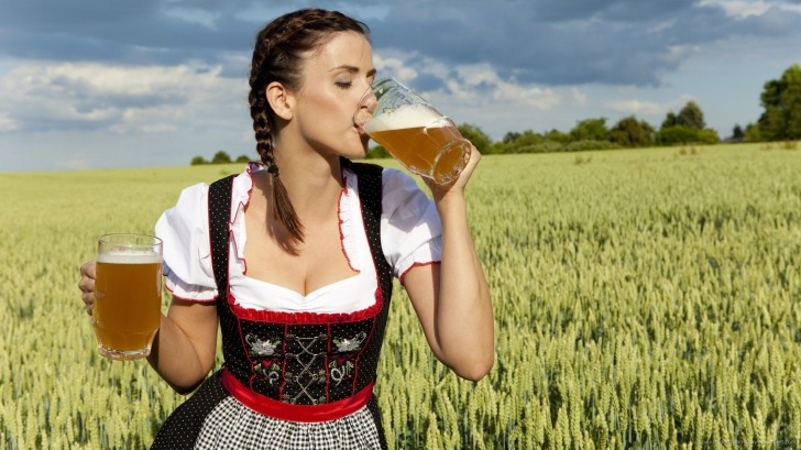 bavarian-girl-with-beer