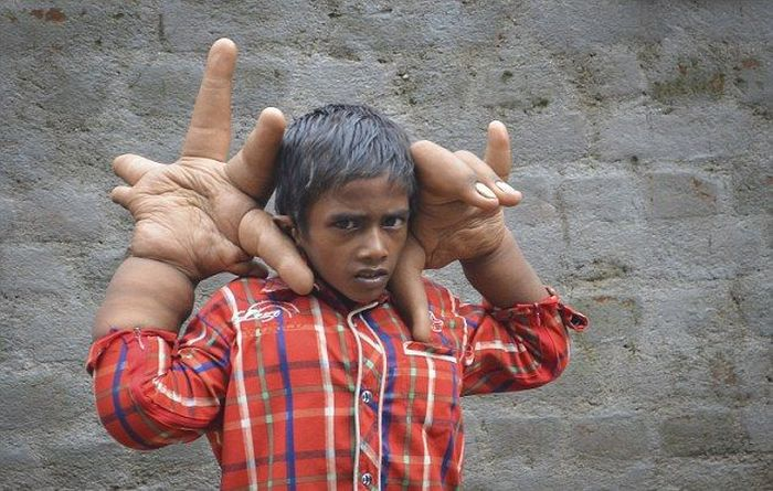 big_hands_boy_01-jpg