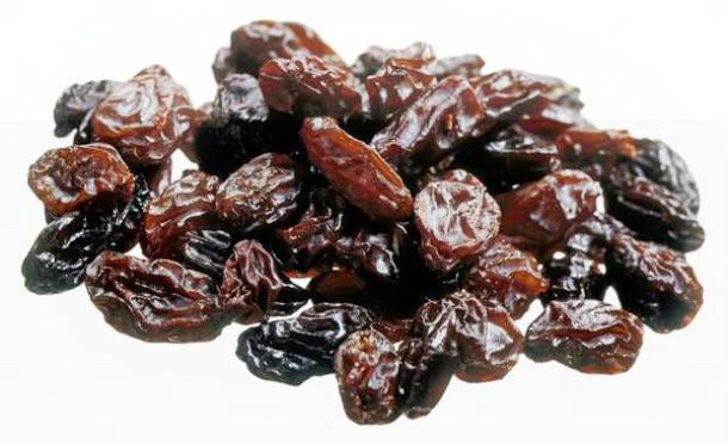 Pile of raisins, studio shot, close-up ** TCN OUT **