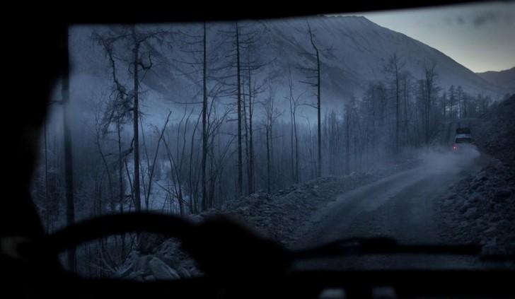 coldest-city-frozen-road