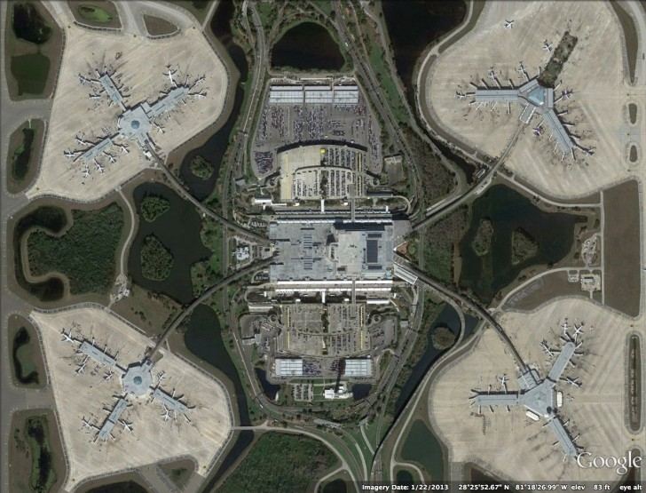 Port lotniczy Orlando (USA) widziany z góry
