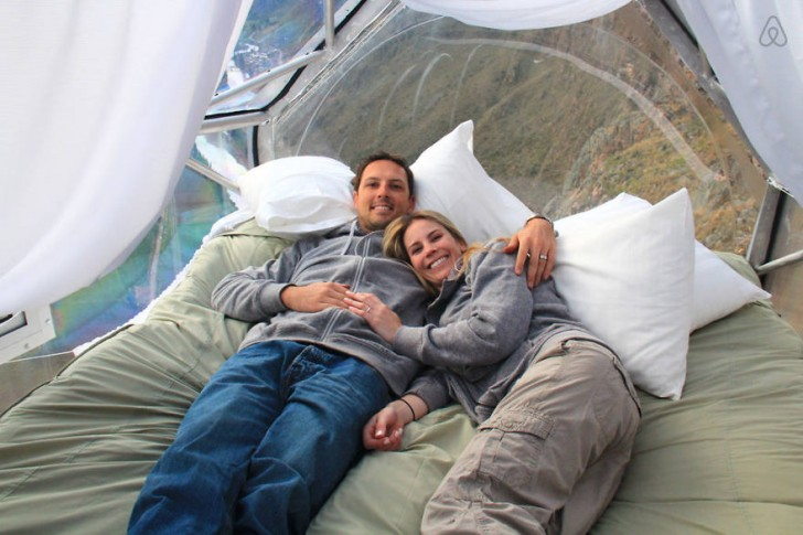 scary-see-through-suspended-pod-hotel-peru-sacred-valley-9
