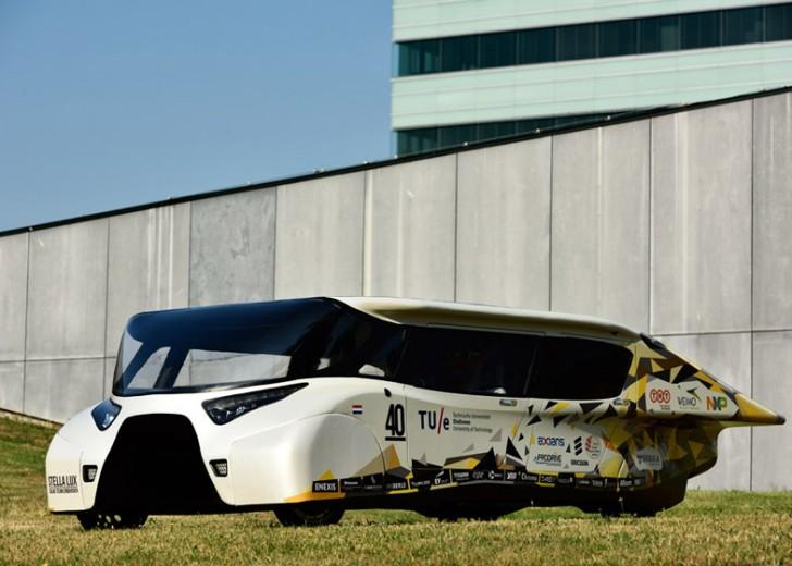 BvOF-Stella-Lux-Solar-Car-Eindhoven_dezeen_784_1