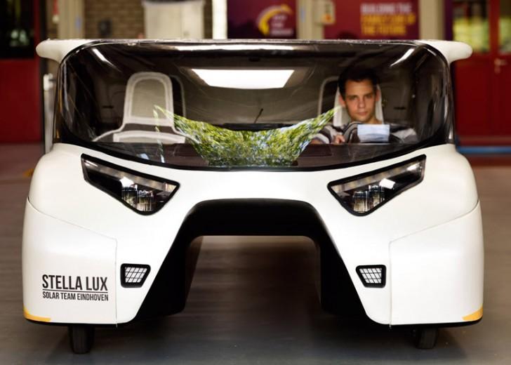BvOF-Stella-Lux-Solar-Car-Eindhoven_dezeen_784_3