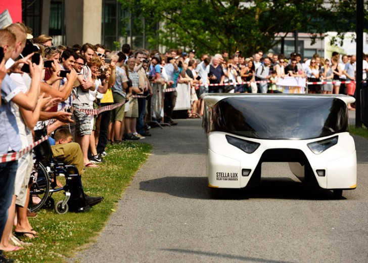 BvOF-Stella-Lux-Solar-Car-Eindhoven_dezeen_784_8