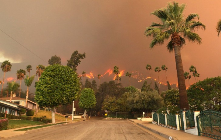 a-massive-wildfire-burned-through-large-swaths-of-southern-california-after-one-of-the-driest-januarys-on-record-it-looks-like-hell-on-earth