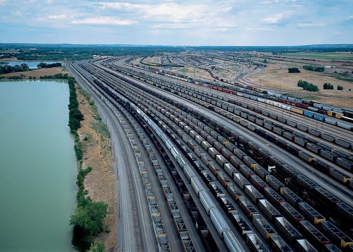 Bailey Yard - największa na świecie kolejowa stacja rozrządowa znajdująca się w North Platte (USA)