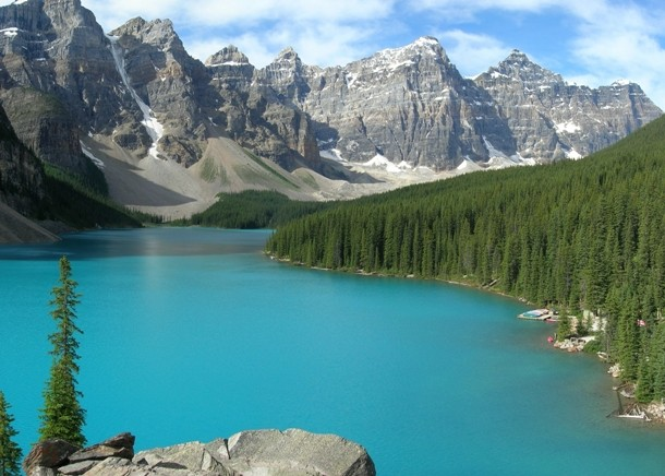 Moraine_Lake-Banff_NP-610x436