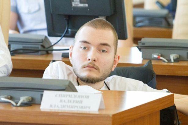 Ochotnik do transplantacji głowy to Rosjanin Valery Spiridonov cierpiący na zanik mięsni.
