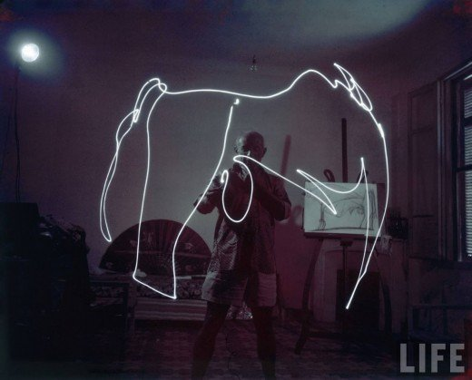 Picasso+painting+in+light-01
