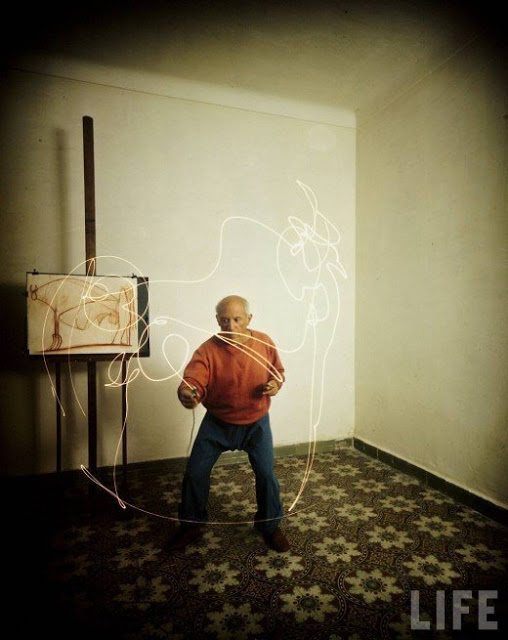 Picasso+painting+in+light-10
