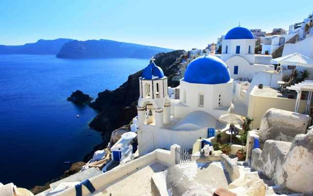 Santorini-Greece-low-610x381