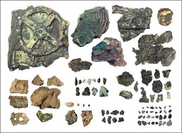 antikythera_mechanism_remains-590x432