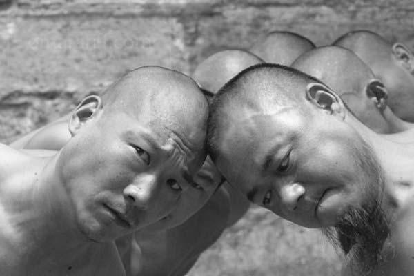 shaolin-monks-training-7a