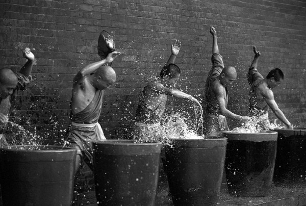 shaolin-monks-training-8