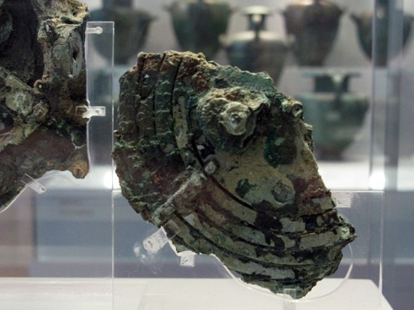 the_antikythera_mechanism_3471987204-590x442
