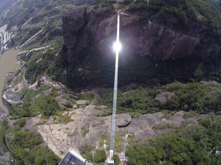 worlds-longest-glass-bridge-shiniuzhai-geopark-china-1